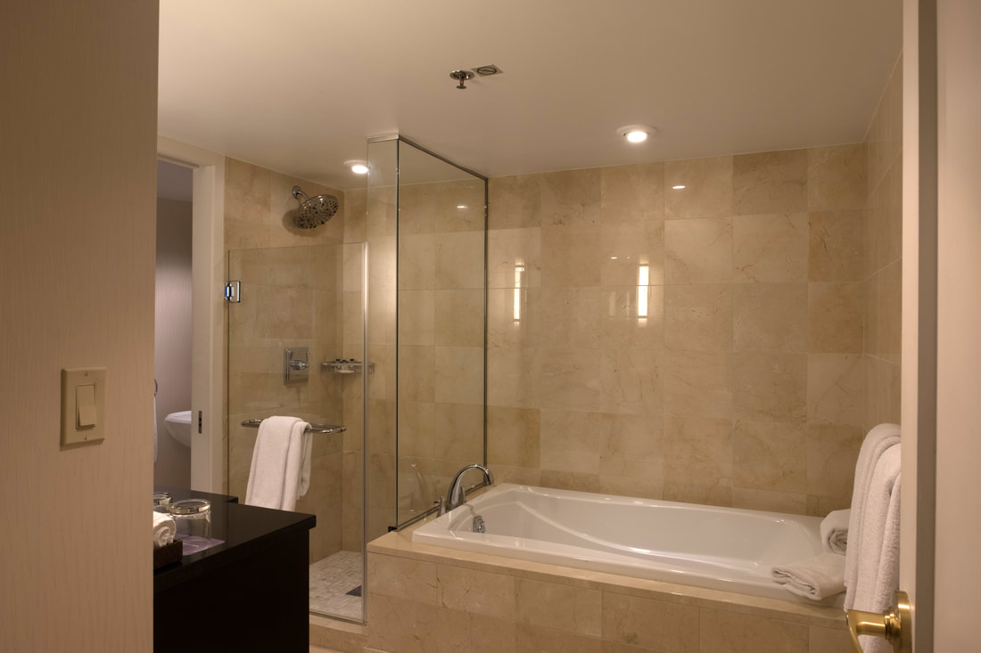 Sunken tub and shower in Capitol Suite at Hyatt Regency Washington on Capitol Hill