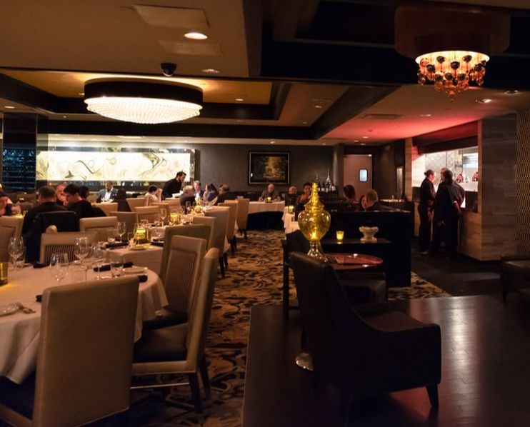 Dining Room at Morton's The Steakhouse in Baltimore